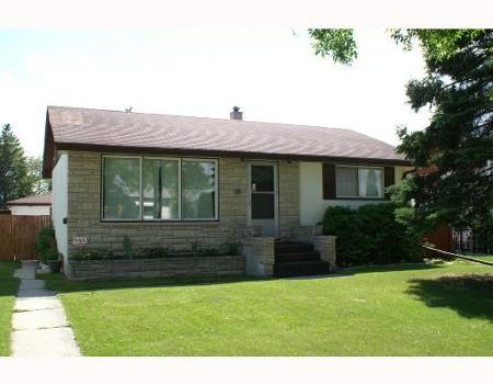 Main Photo: 838 SIMPSON AVE: Residential for sale (East Kildonan)  : MLS®# 2812021