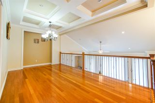 Photo 4: 15033 76 Avenue in Surrey: East Newton House for sale : MLS®# R2405219