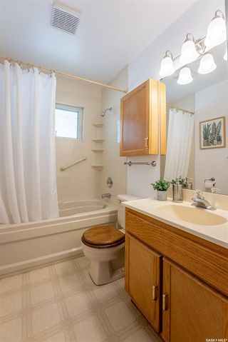 Photo 17: 2426 Clarence Avenue South in Saskatoon: Avalon Residential for sale : MLS®# SK858910