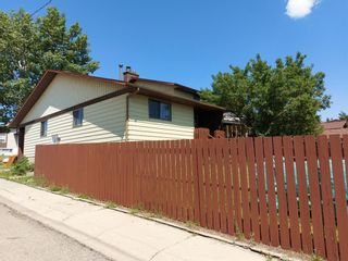 Photo 31: 2 Edgedale Court NW in Calgary: Edgemont Semi Detached for sale : MLS®# A1129985