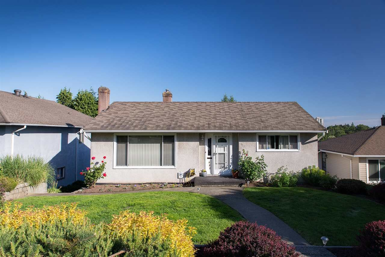 Main Photo: 122 E DURHAM Street in New Westminster: The Heights NW House for sale : MLS®# R2066936