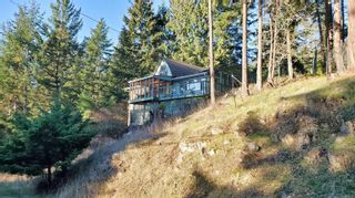 Photo 2: 2747 Shoal Rd in : GI Pender Island House for sale (Gulf Islands)  : MLS®# 863111