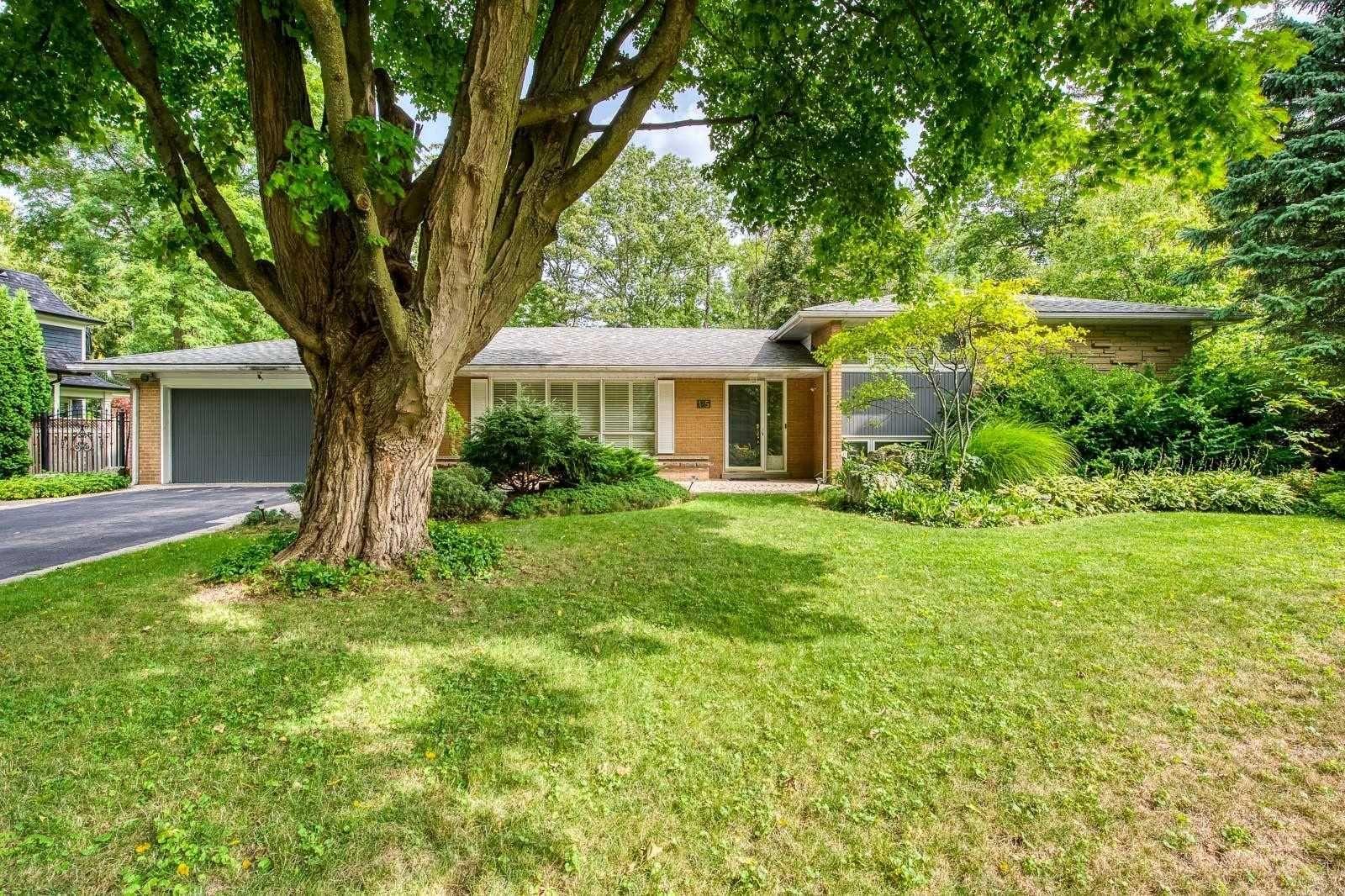 Main Photo: 115 Wolfdale Avenue in Oakville: Bronte East House (Sidesplit 4) for lease : MLS®# W4912271