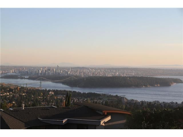 Main Photo: 1408 CHIPPENDALE RD in WEST VANCOUVER: Chartwell House for sale (West Vancouver)