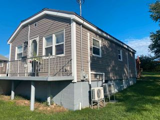 Photo 2: 9 Memorial Drive in North Sydney: 205-North Sydney Residential for sale (Cape Breton)  : MLS®# 202124298