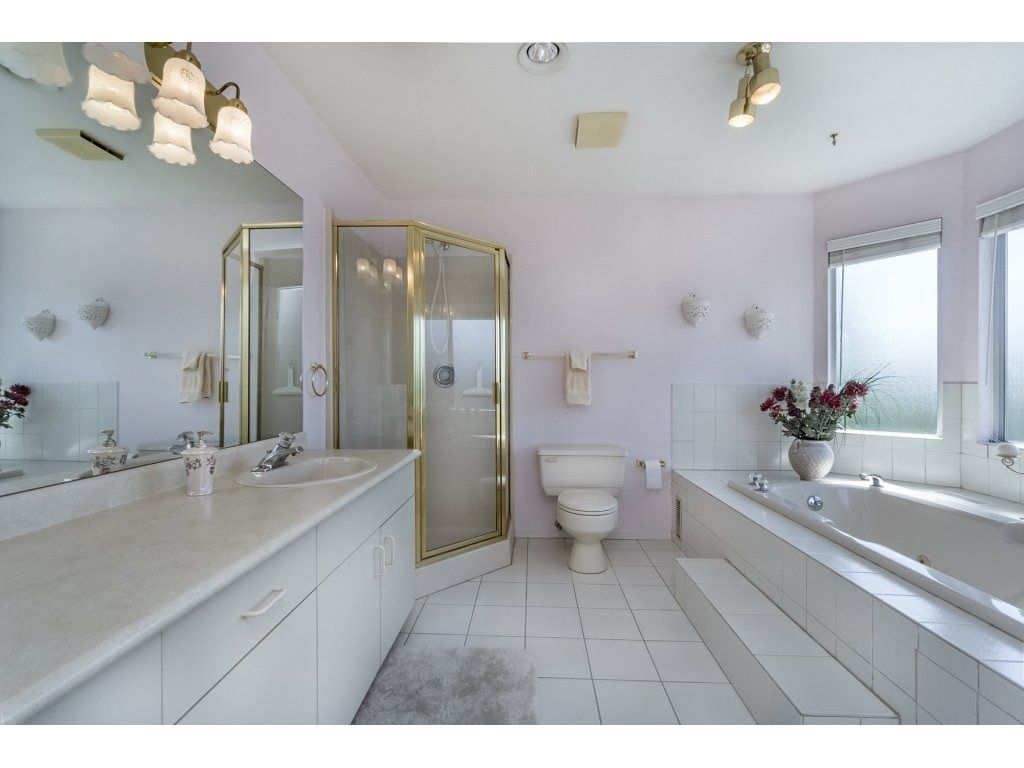 Photo 13: Photos: 7135 4TH Street in Burnaby: Burnaby Lake House for sale (Burnaby South)  : MLS®# R2184143