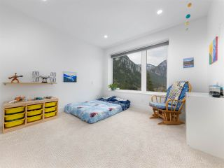 """Photo 19: 38580 HIGH CREEK Drive in Squamish: Plateau House for sale in """"Crumpit Woods"""" : MLS®# R2547060"""
