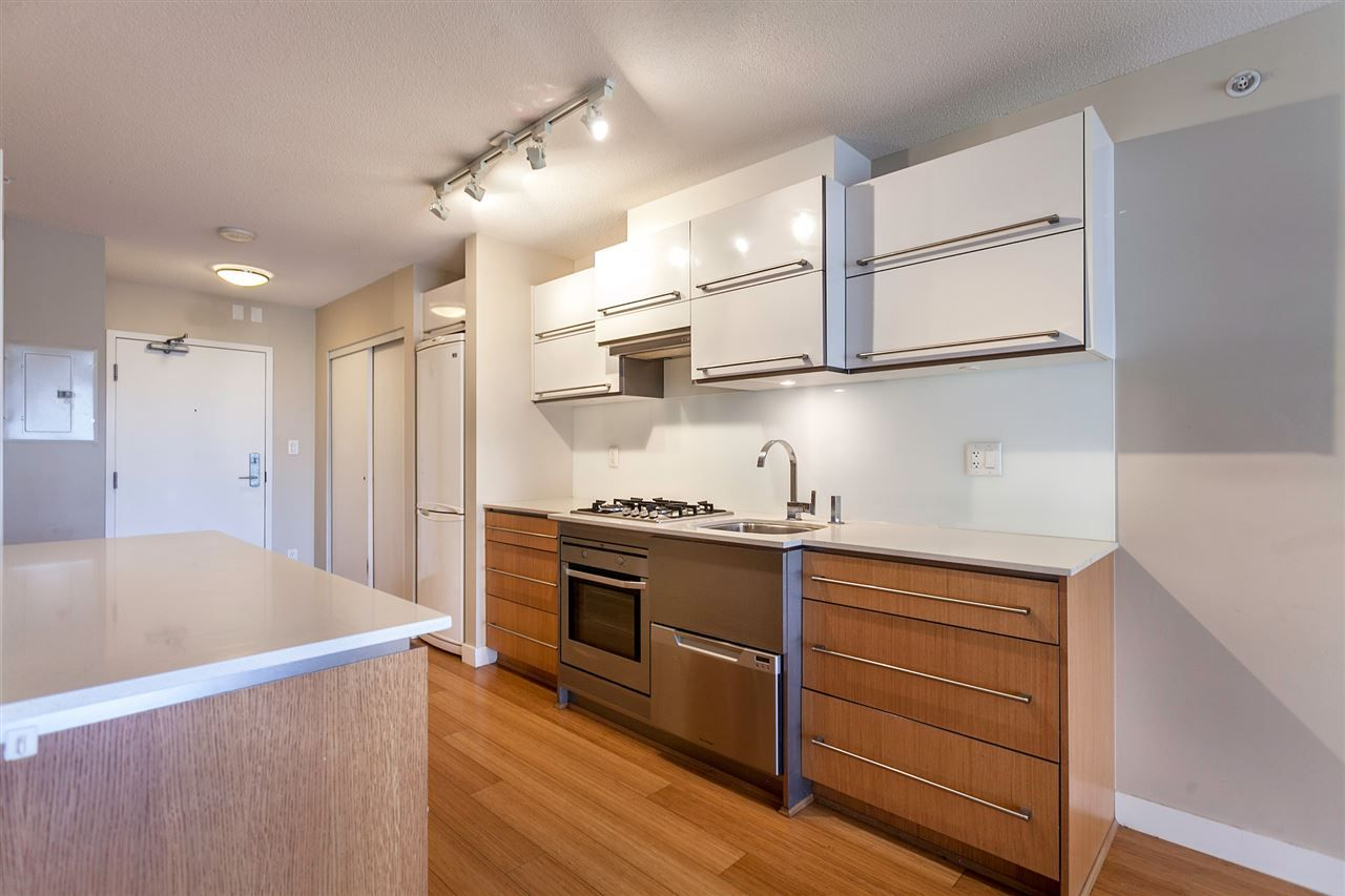 "Main Photo: 411 718 MAIN Street in Vancouver: Mount Pleasant VE Condo for sale in ""GINGER"" (Vancouver East)  : MLS®# V1143446"