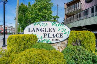 """Photo 3: 3 20229 FRASER Highway in Langley: Langley City Townhouse for sale in """"LANGLEY PLACE"""" : MLS®# R2590934"""