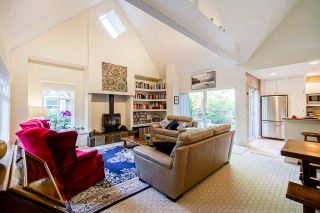 Photo 4: 138 STONEGATE Drive: Furry Creek House for sale (West Vancouver)  : MLS®# R2564446