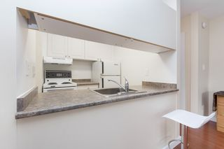 """Photo 7: 214 436 SEVENTH Street in New Westminster: Uptown NW Condo for sale in """"Regency Court"""" : MLS®# R2289839"""