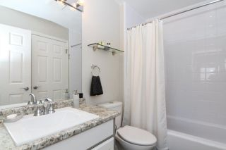 """Photo 12: 66 21138 88 Avenue in Langley: Walnut Grove Townhouse for sale in """"SPENCER GREEN"""" : MLS®# R2426366"""