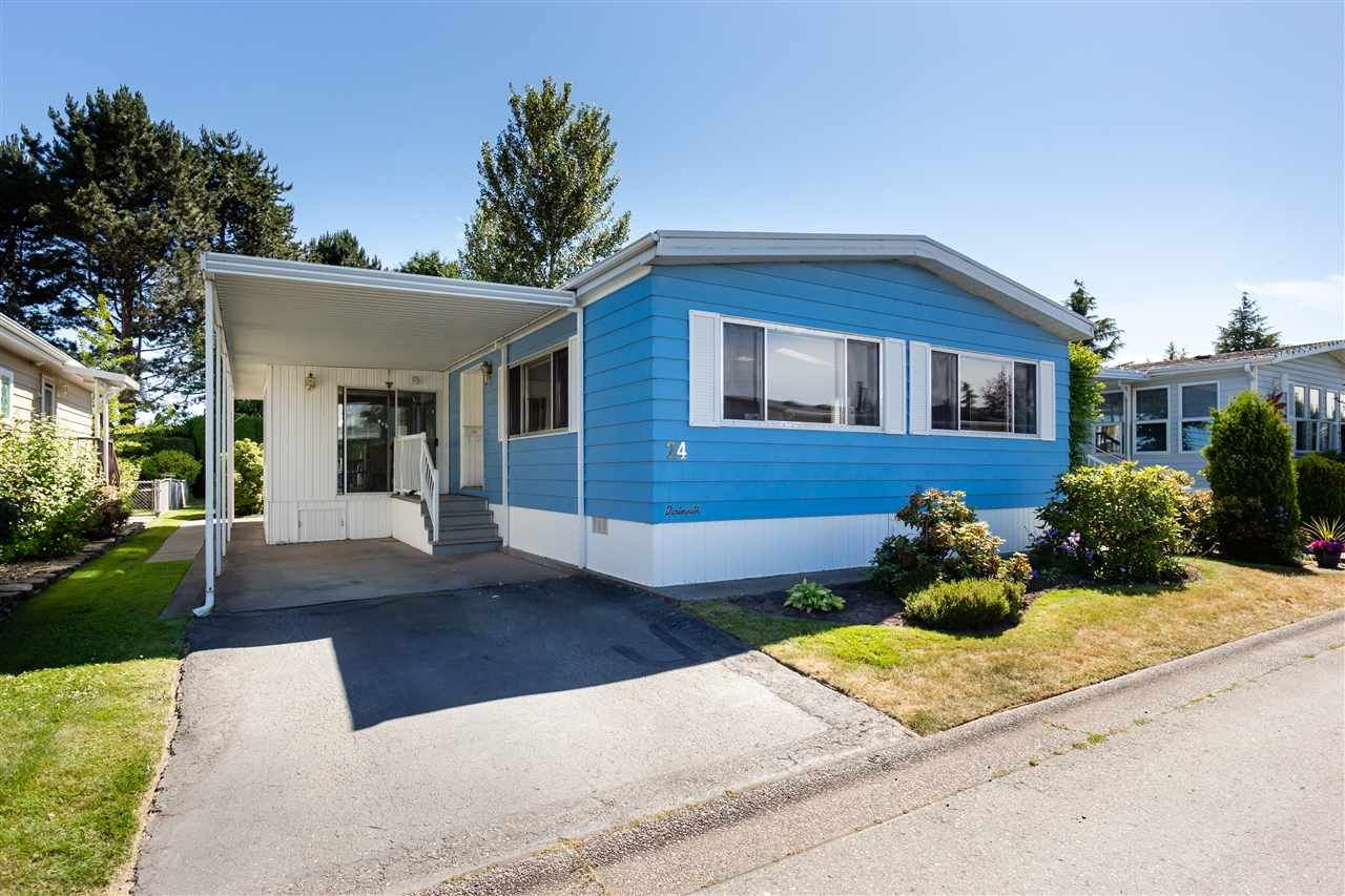 "Main Photo: 24 2303 CRANLEY Drive in Surrey: King George Corridor Manufactured Home for sale in ""Sunnyside Estates"" (South Surrey White Rock)  : MLS®# R2381083"