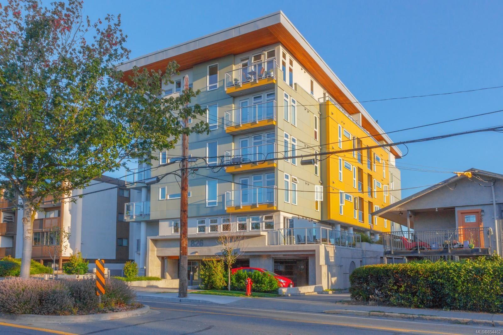 Main Photo: 306 826 Esquimalt Rd in : Es Esquimalt Condo for sale (Esquimalt)  : MLS®# 854462