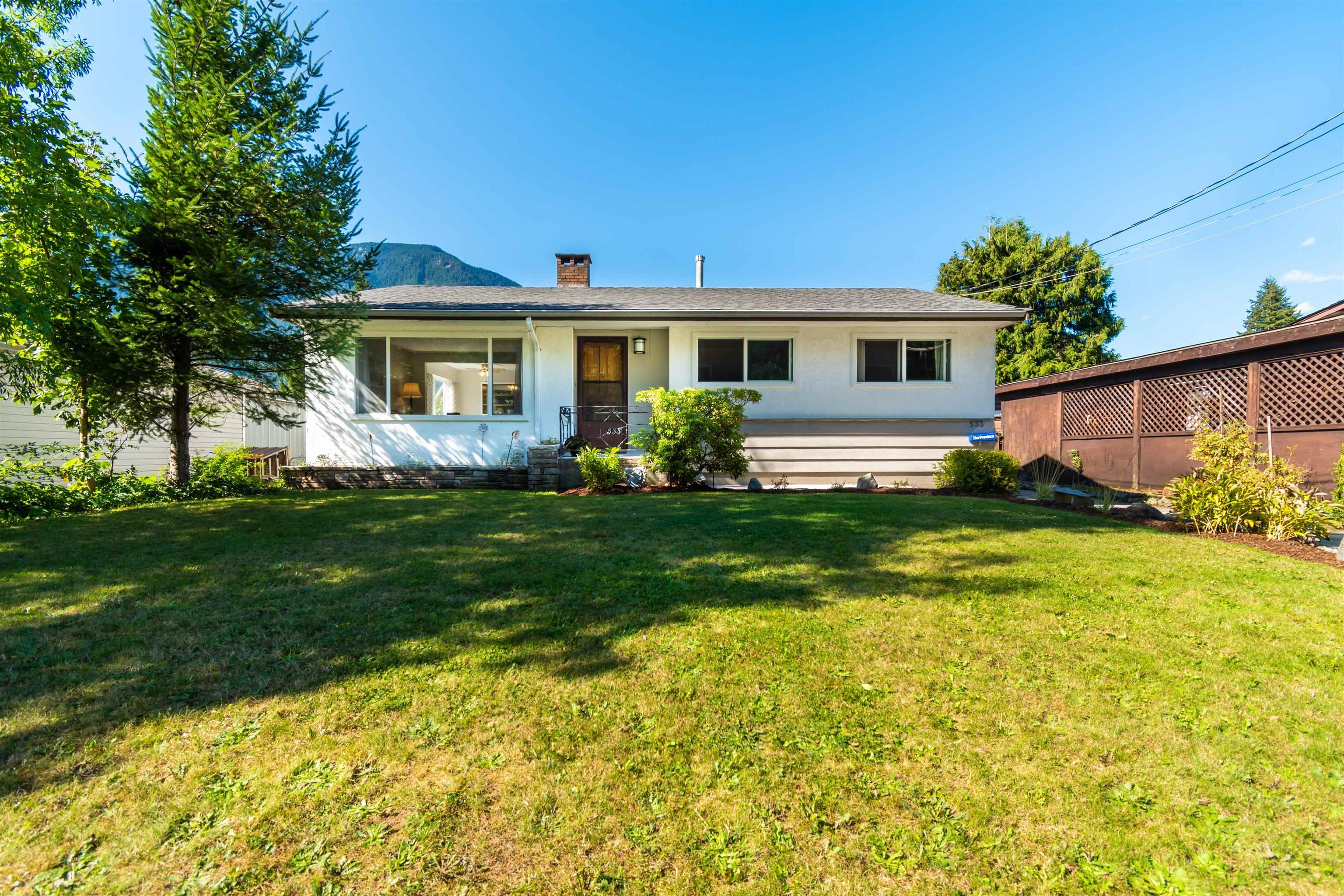 Main Photo: 533 KING Street in Hope: Hope Center House for sale : MLS®# R2614349