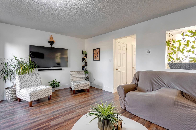 Main Photo: 12052 25 Avenue in Edmonton: Zone 16 Townhouse for sale : MLS®# E4266409