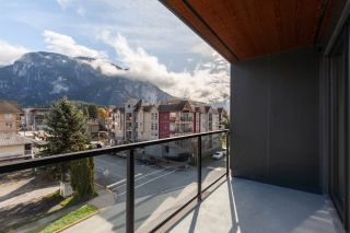 """Photo 14: 404 38013 THIRD Avenue in Squamish: Downtown SQ Condo for sale in """"THE LAUREN"""" : MLS®# R2466144"""