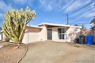 Photo 2: SAN DIEGO House for sale : 2 bedrooms : 4550 Bannock Ave