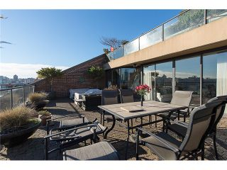 """Photo 4: 911 1450 PENNYFARTHING Drive in Vancouver: False Creek Condo for sale in """"HARBOUR COVE"""" (Vancouver West)  : MLS®# V1045664"""