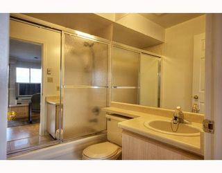 Photo 8: 407 1099 E BROADWAY in Vancouver: Mount Pleasant VE Condo for sale (Vancouver East)  : MLS®# V808468