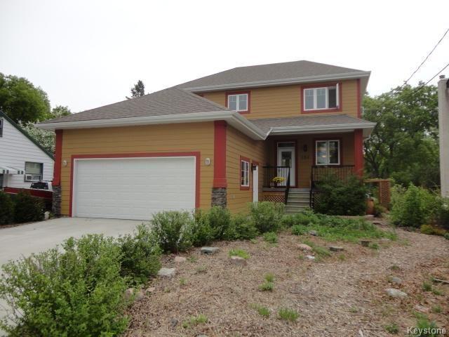 Main Photo: 356 Youville Street in Winnipeg: Single Family Detached for sale (St. Boniface)  : MLS®# 1412479
