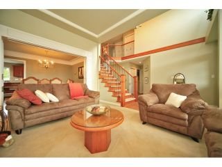 Photo 2: 6484 CLAYTONWOOD Gate in Surrey: Cloverdale BC House for sale (Cloverdale)  : MLS®# F1214656