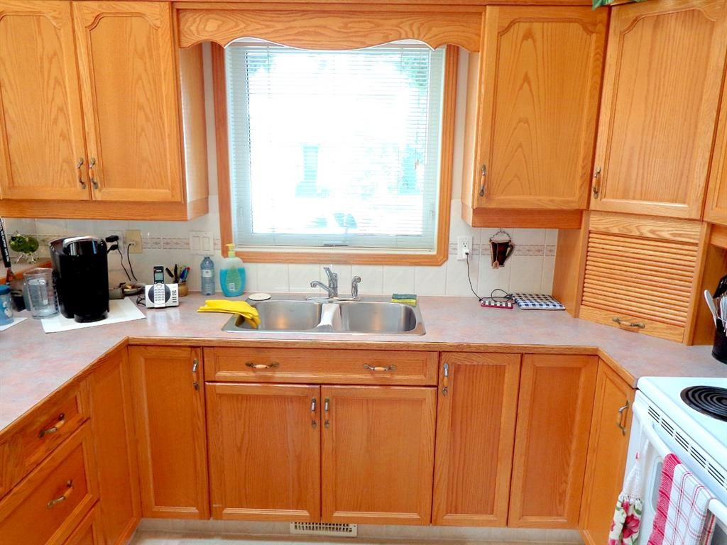 Photo 10: Photos: 77 Dumas Crescent: Red Deer Detached for sale : MLS®# A1135546