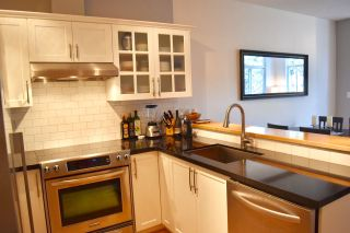 """Photo 7: 210 1675 W 10TH Avenue in Vancouver: Fairview VW Condo for sale in """"Norfolk House by Polygon"""" (Vancouver West)  : MLS®# R2173409"""