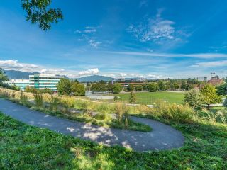 """Photo 18: 305 930 E 7TH Avenue in Vancouver: Mount Pleasant VE Condo for sale in """"Windsor Park"""" (Vancouver East)  : MLS®# R2617396"""