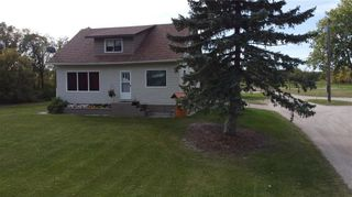 Photo 3: 33058 216 Highway South in Kleefeld: R16 Residential for sale : MLS®# 202124082