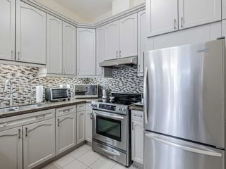 Photo 8: 80 Burns Blvd Unit #104 in King: King City Condo for sale : MLS®# N5337435