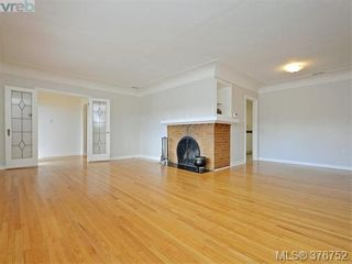 Photo 3: 1620 Chandler Ave in VICTORIA: Vi Fairfield East House for sale (Victoria)  : MLS®# 756396