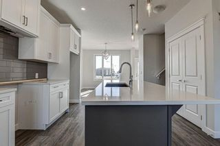 Photo 10: 136 Creekside Drive SW in Calgary: C-168 Semi Detached for sale : MLS®# A1108851