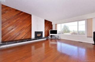 Photo 7: 869 Rockheights Ave in VICTORIA: Es Rockheights House for sale (Esquimalt)  : MLS®# 744469