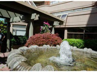 Photo 5: # 411 15111 RUSSELL AV: White Rock Condo for sale (South Surrey White Rock)  : MLS®# F1427876
