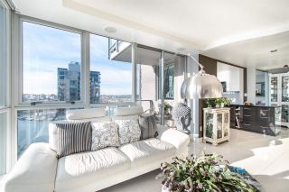 """Photo 3: 2202 1408 STRATHMORE Mews in Vancouver: Yaletown Condo for sale in """"WEST ONE"""" (Vancouver West)  : MLS®# R2432434"""