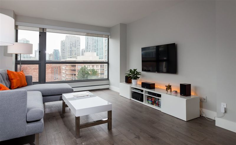 FEATURED LISTING: 802 - 283 DAVIE Street Vancouver