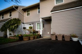 """Photo 9: 47 5307 204 Street in Langley: Langley City Townhouse for sale in """"MCMILLAN PLACE"""" : MLS®# R2560188"""