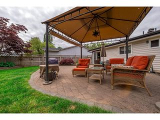 Photo 18: 17924 SHANNON Place in Surrey: Cloverdale BC House for sale (Cloverdale)  : MLS®# R2176477