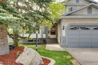 Photo 2: 17 Shannon Circle SW in Calgary: Shawnessy Detached for sale : MLS®# A1105831