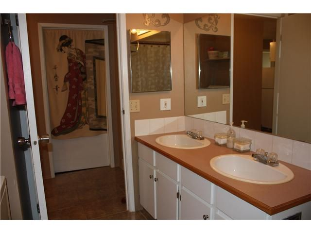 Photo 13: Photos: 3207 80 GLAMIS Drive SW in CALGARY: Glamorgan Condo for sale (Calgary)  : MLS®# C3568501