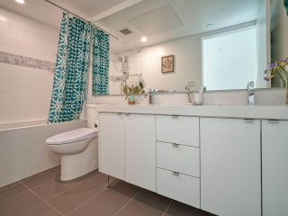 """Photo 19: 101 321 E 16TH Avenue in Vancouver: Mount Pleasant VE Townhouse for sale in """"ARNE"""" (Vancouver East)  : MLS®# R2467350"""