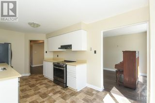 Photo 7: 23 SOVEREIGN AVENUE in Ottawa: House for sale : MLS®# 1261869