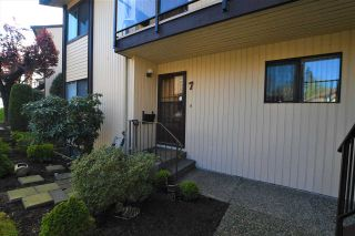 """Photo 2: 7 2962 NELSON Place in Abbotsford: Central Abbotsford Townhouse for sale in """"Willband Creek."""" : MLS®# R2580189"""