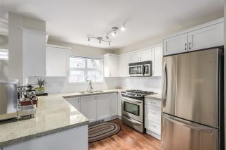 "Photo 3: 202 1676 E PENDER Street in Vancouver: Hastings Townhouse for sale in ""PENDER PLACE"" (Vancouver East)  : MLS®# R2202006"