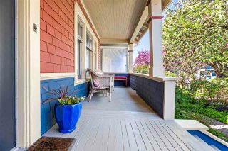 Photo 3: 1758 CHARLES Street in Vancouver: Grandview Woodland House for sale (Vancouver East)  : MLS®# R2570162