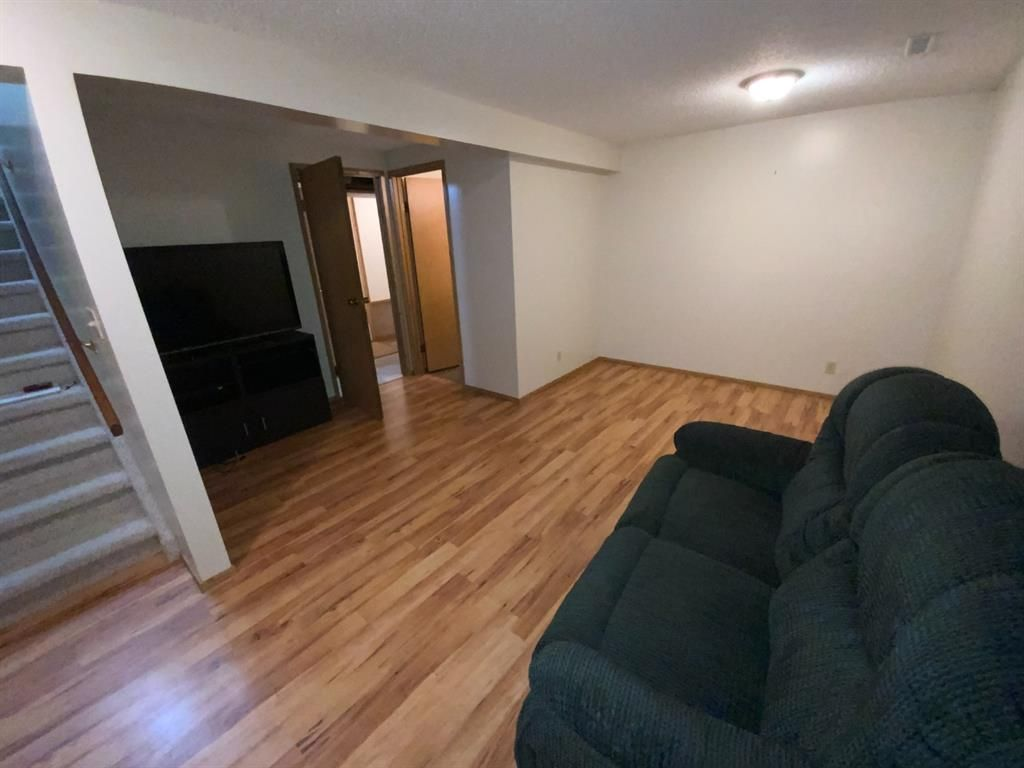 Photo 24: Photos: 290 Cornett Drive: Red Deer Row/Townhouse for sale : MLS®# A1132891