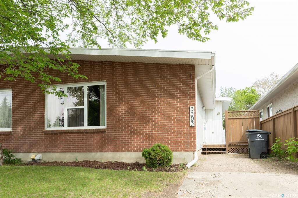 Main Photo: 3303 14th Street East in Saskatoon: West College Park Residential for sale : MLS®# SK858665