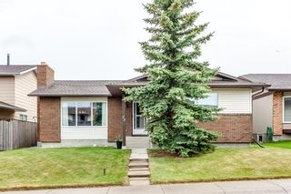 Photo 2: 23 Woodbrook Road SW in Calgary: Woodbine Detached for sale : MLS®# A1119363