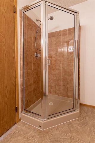 Photo 17: 1232 105 Street in Edmonton: Zone 16 House Half Duplex for sale : MLS®# E4246538